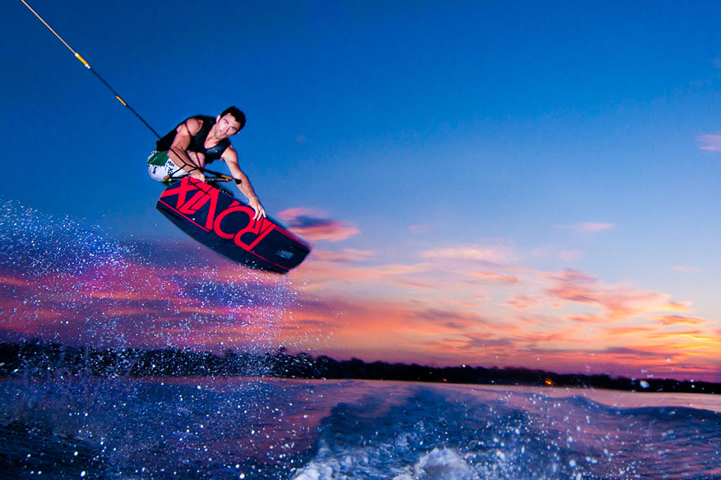 Wakeboarding image provided by Poni Divers