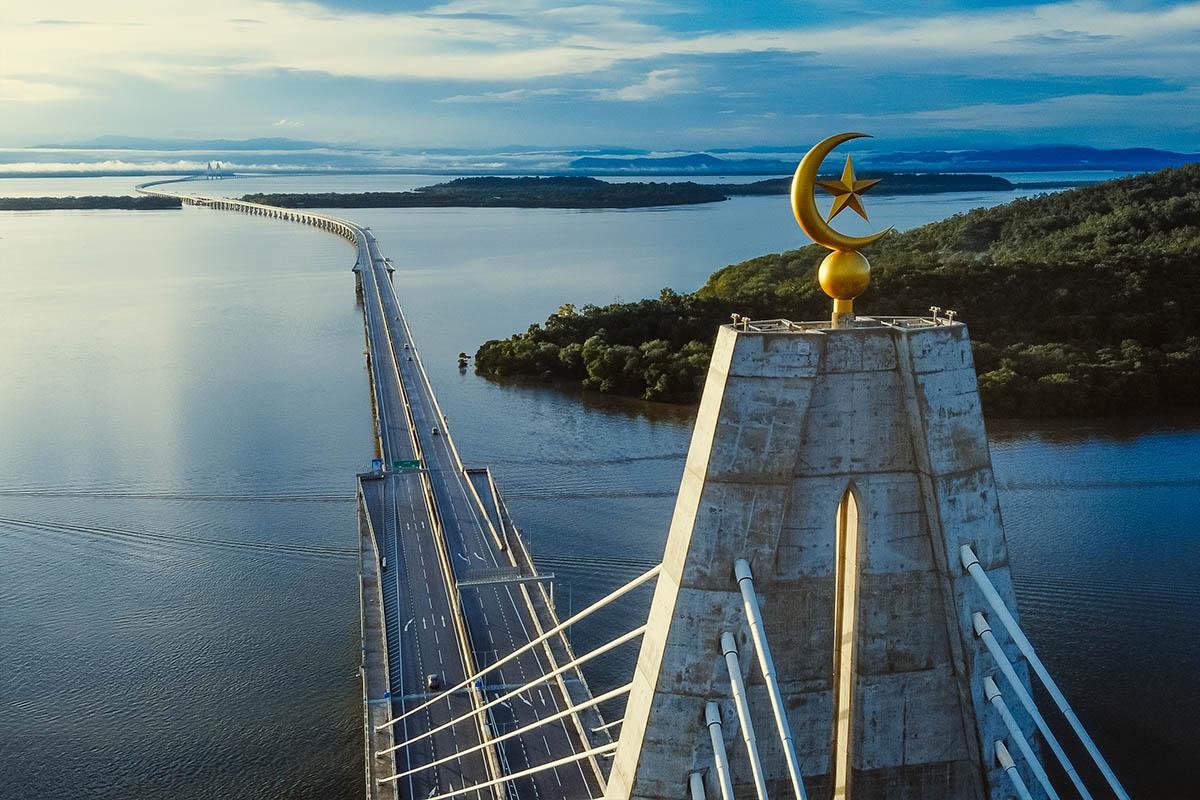 Sultan Haji Omar 'Ali Saifuddien (SOAS) Bridge