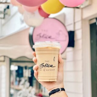If you ever find yourself in Belait, make sure to drop by to @theslicebyia ; a hidden gem tucked away in Jalan Pretty - guaranteed to satisfy your sweet tooth and caffeine cravings, for all coffee or non-coffee lovers! ⁣ ⁣ ⁣📸: @fatineats ⁣ #discoverbrunei #travelgram #instatravel #travelasia #travelinspiration #travelphotography #travel #wanderlust #destinationearth #seetheworld #brunei