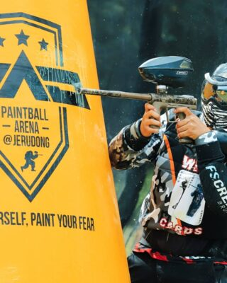 Head down to the Paintball Arena @paintballarenajerudong for thrilling and exciting game of paintball!⁣ ⁣ #discoverbrunei #selerabruneiku #travelgram #instatravel #travelasia #travelinspiration #travelphotography #travel #wanderlust #destinationearth #seetheworld